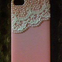 Lace and pearls iPhone 4 case in light pink