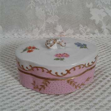 Paris Royal Oval Trinket Box, Peint A La Main French Porcelain, Spring Floral, Rose Pink and Gold Decoration, Applied Roses Topper