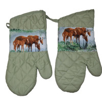 Horse Oven Mitts, Green Mitts, Set of 2, Gift for Her, Kitchen Accessory, Animal Lover, Horse Lover, Hostess Gift, Kitchen Decor, Equestrian