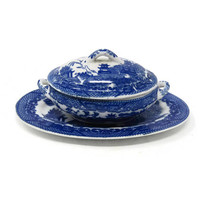 Japan BLUE WILLOW China Childs Casserole with Lid and Platter / Retro China Tureen Made in Japan / Pretend Play Set / Vintage Play Set