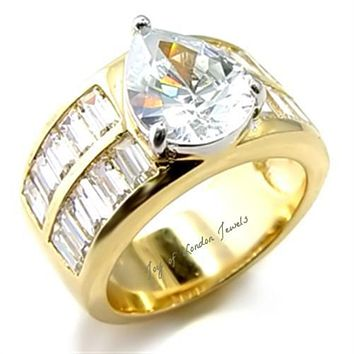 A 14K Yellow Gold 2CT Pear Cut Russian Lab Diamond Wedding Band Ring