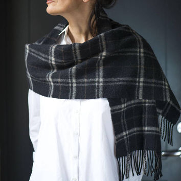 Wool Scarf Black Grey Check Vintage - Plaid Scarf Wool Winter - Fashion Scarf Christmas gift - Unisex Scarf Soft - Classic Fashion Shawl