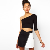 Black One-Shoulder Sleeve Crop Tank Tee