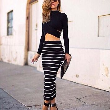 Two-Piece Long-Sleeved Leaky Belly Button Striped Maxi Dress