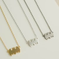 batman necklace in gold / silver