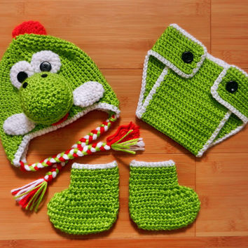 Crochet Dinosaur Hat And Diaper Cover Pattern : Crochet Dinosaur hat, diaper cover and booties