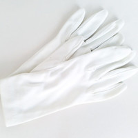 Vintage Gloves Vintage White Gloves White Costume Gloves White Gloves with Pearl Buttons Short Gloves Women's Gloves Glove Size 6
