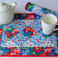 Quilted Placemats, Blue Red Placemats, Summer Table Mats, Country Placemats, Farmhouse Table Decor, Set of 2 placemats