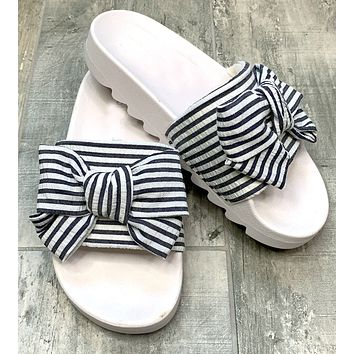 Summer Daze: Slip-On Sandals