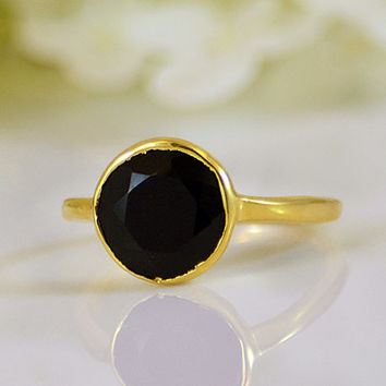 Faceted Black Onyx 18K Vermeil Gold ring - round cut stacking bezel set ring - large round stone ring