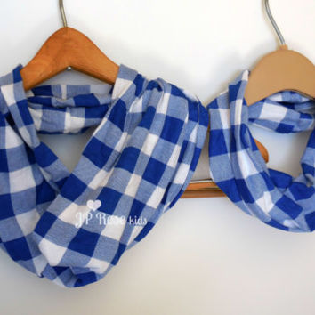 Mommy and Me Plaid Scarf, Infinity Scarf Set, Blue and White Picnic Plaid, Mother's Day Gift, Baby Shower, Daddy and Me, Tshirt Scarves