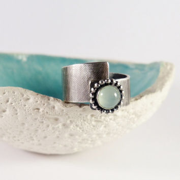 Aqua calcite ring, green stone silver ring, handcrafted ring, metalwork statement ring, OOAK jewelry, minimalist ring