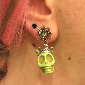 1/2 7/16 00g 0g 2g 4g 1 PAIR Green Plugs Halloween Día de Muertos Day Of The Dead - Carved Howlite Sugar Skull Plugs