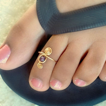 Amethyst Swirl Toe Ring by catchalljewelry on Etsy
