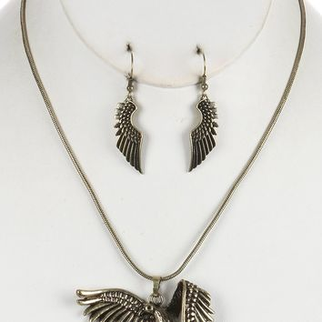 Aged Finish  Flying Dove  Textured Snake Chain  Necklace Earring Set