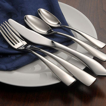 Oneida Curva 65 Piece Fine Flatware Set, Service for 12