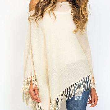 Minnie Rose Cashmere fringe poncho in platinum