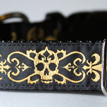 NARROW dog collars: Fleur de lys and skulls pattern 5/8 inch buckle dog collar, matching dog leashes available