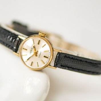 Very small women's watch Seagull, gold plated women's wristwatch, classical women's watch, minimalist girl's watch, gift leather strap new