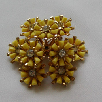 Vintage 60's Coro Yellow Daisy and Rhinestone Stacked Brooch Set On Gold Tone Metal