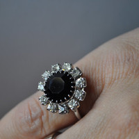 SARAH COVENTRY Vintage 1967 Vogue Series Silver, Black & Clear Prong-Set Rhinestone Adjustable Ring, MINT in Original Box! #a285