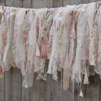 French cottage lace garland
