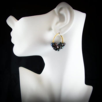 BLACK Pearl  Hoop Earrings, Black Peacock Pearl Earrings, Black Pearl Beaded Hoop Earrings ERG-0002