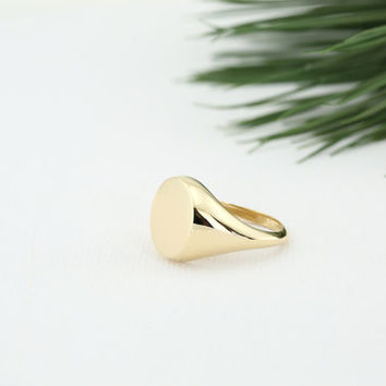 Signet Ring/ Engravable Gold Signet Ring/ Personalized Round Signet Ring/ Solid Gold Initial Jewelry