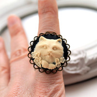 Cat cameo ring in black Fantasy