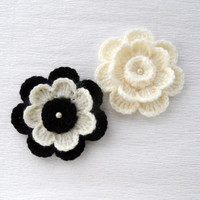 Crochet Applique - Crochet Flowers Corsage Brooch - Pack of  2 - Black Ivory Flower
