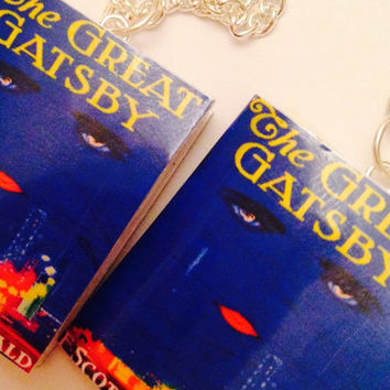 Great gatsby book necklace