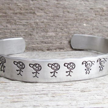 Personalized Stick Family Cuff Hand Stamped Bracelet Aluminum Dad Mom Girl Boy Baby Dog Cat Custom Mothers Day Gift Family