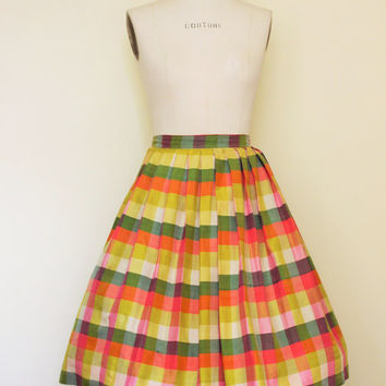 Vintage 50s Circle Skirt / 1950's Checked Silk Full Skirt  / Vintage 1950s Skirt  / Pastel Plaid Skirt / Pleated Skirt / 25 Inch Waist
