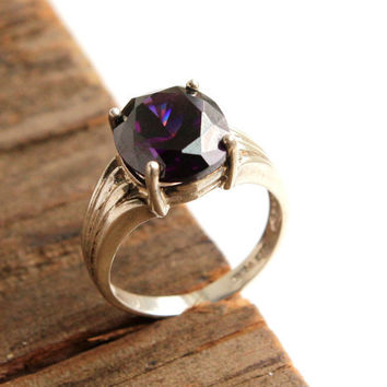 Vintage Sterling Silver Ring -  Size 7 1/4 Purple Glass Stone Costume Jewelry / Prong Set Raised