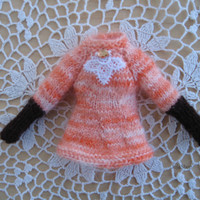 Hand knit doll sweater for Neo Blythe, blythe sweater, pullover, blythe clothes, orange