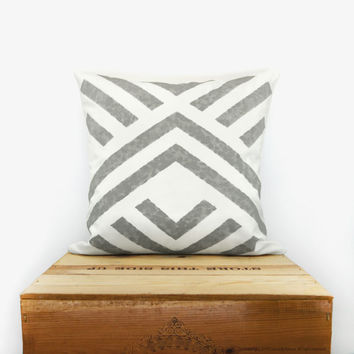 Aztec pillow cover - Geometric pillow - Handprinted accent pillow in grey and white with graphic chevron design - 16x16 pillow case