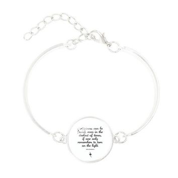 "Cheap Fashion Jewelry with Silver Plated Glass Cabochon ""Happiness can be found"" Charm Friendship Bracelet Bangle for Women"