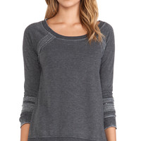 Chaser Reverse Panel Raglan Pullover in Charcoal