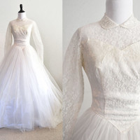 1950s Tulle and Lace Wedding Dress Long Train and Buttons
