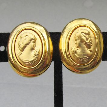Joan Rivers 1990's Vintage Oval Gold Tone CAMEO Clip Earrings