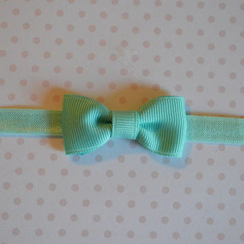 Aqua Baby Bow Headband. Tiny Aqua Bow Headband. Baby Hair Accessories. Baby Girls Hair Accessories. Baby Bow Headband. Aquamarine Bow