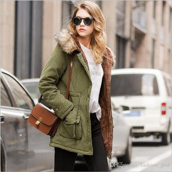 Women's Cotton Padded Jackets Winter Down Coats Fashion Down Parkas Plus Size Outdoor Outerwear Casual Slim Hoodies Jumper Pullover B2838