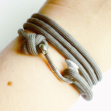 Fish Hook Paracord Bracelet- Gray Adjustable Paracord Bracelet- Emergency Paracord Bracelet- Gray 550 Paracord- Unisex Survival Bracelet
