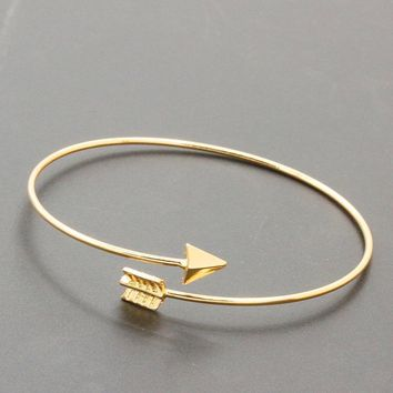 Women's Arrow Bracelet