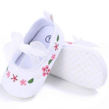 Baby Shoes Embroidery Flower Leather First Walker Kids Girl Elastic Band Shoes For Beb