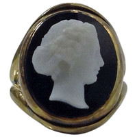 Antique English Stone Cameo Gold Ring