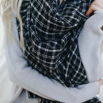 Warm Embrace Blanket Scarf - Black