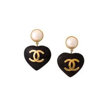 Chanel Vintage Cc Logo Heart Clip On Earrings - Amore - Farfetch.com