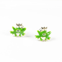 Vintage Super Tiny Frog Prince Earrings - Boucles d'Oreilles Grenouilles. Vintage Jewelry by My Chouchou.