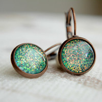 Emerald green dangle earrings,small sparkling earrings,antique copper jewelry,gift idea